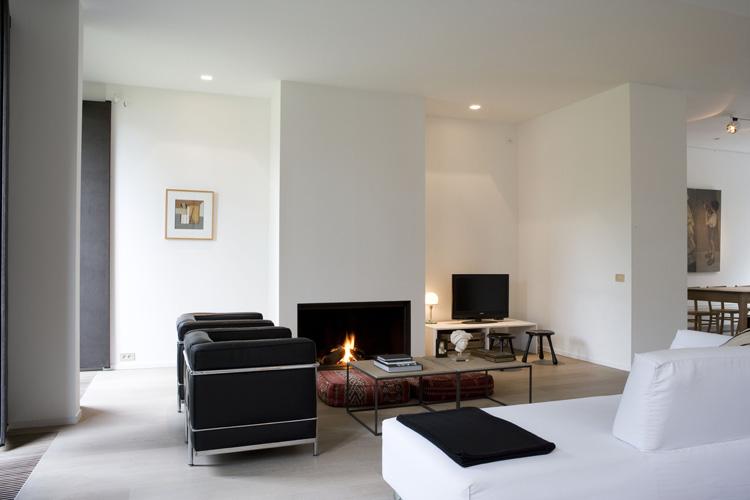 woning met bureau voor architectuur interieurinrichting en 2 appartementen te wilrijk